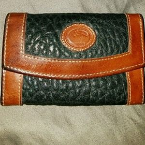Vintage Dooney and Bourke key wallet